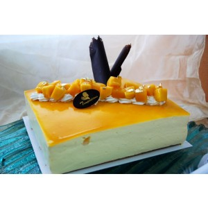 Fresh Mango Mousse Cake