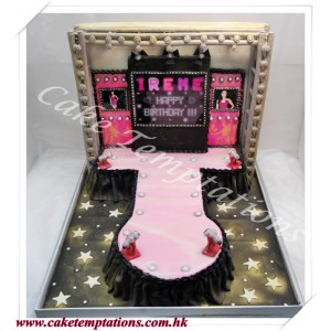 3D Catwalk Stage Cake