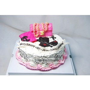 Mini Chanel Bag w. Accessories Cake