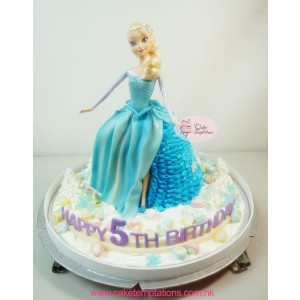 Frozen Elsa 3D cake w. Snow Decorations