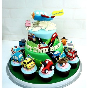 2 Layers Vehicle Cake &  cupcake set