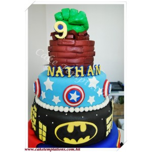 5 layers Super Heroes Cake