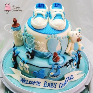 Baby Sneaker 2 Layers Cake