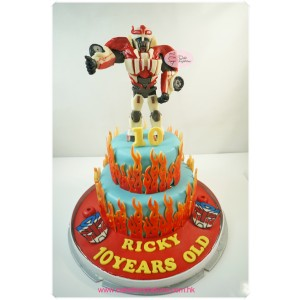 2 layers Transformers Cake
